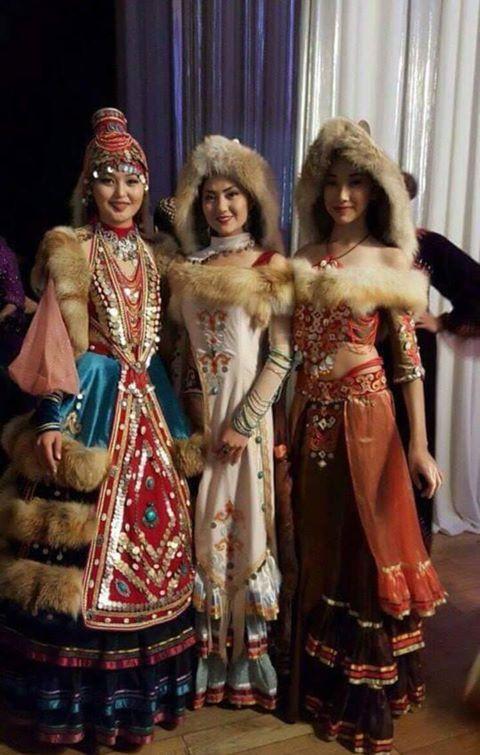 Bashkirs / Başkurtlar  Başkurt adının Beş Ogur sözcüğüyle ilgili olduğu sanılmaktadır. Dilleri, Kıpçak Türkçesi grubuna girmektedir. Most Bashkirs speak the Bashkir language, which belongs to the Kypchak branch of the Turkic languages.