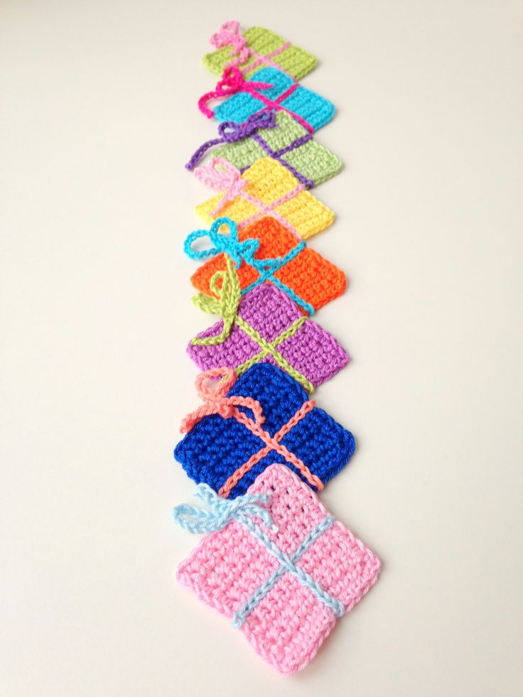 @ maRRose - CCC: free pattern - crocheted Christmas presents - use to make bunting or embellish gifts