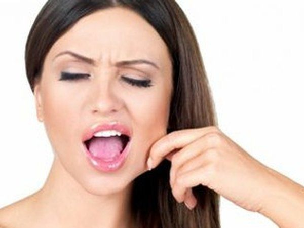 Разглаживаем носогубки: два эффективных массажных приема