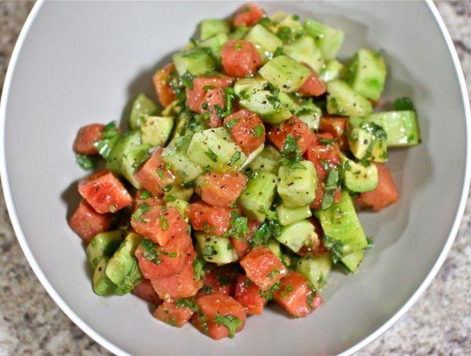 Delicious Cucumber & Watermelon Summer Salad RecipeWatermelon Salad, Salad Recipes, Cucumber Watermelon, Lights Summer, Healthy Eating, Watermelon Summer, Summer Salads, Pace Lights, Delicious Cucumber