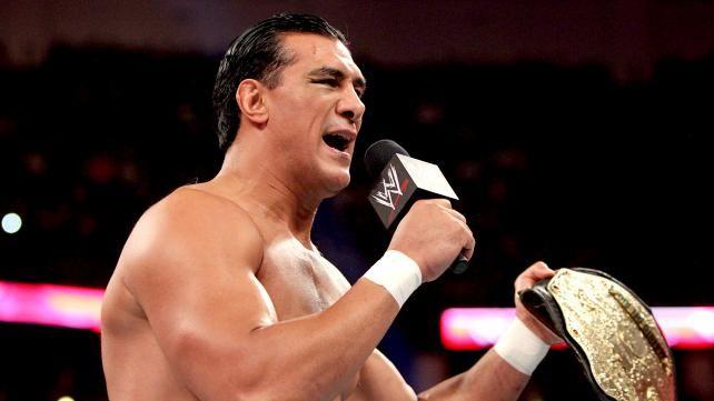 WWE.com: Sin Cara vs. Alberto Del Rio: photos #WWE