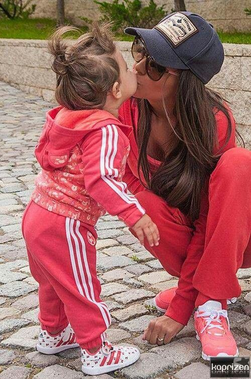 So cute :) Love the little girls outfit!