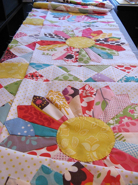 hourrglass sashingQuilt Ideas, Quilts Quilt