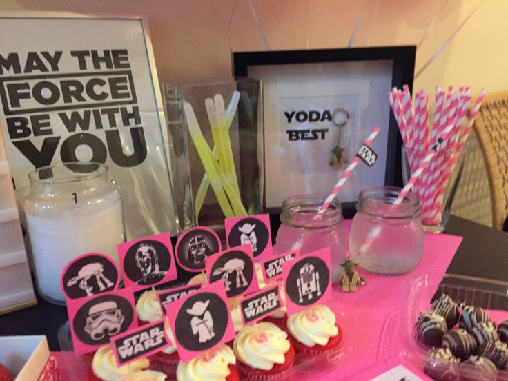 Star Wars Valentine's Day diy cupcake toppers and table decor