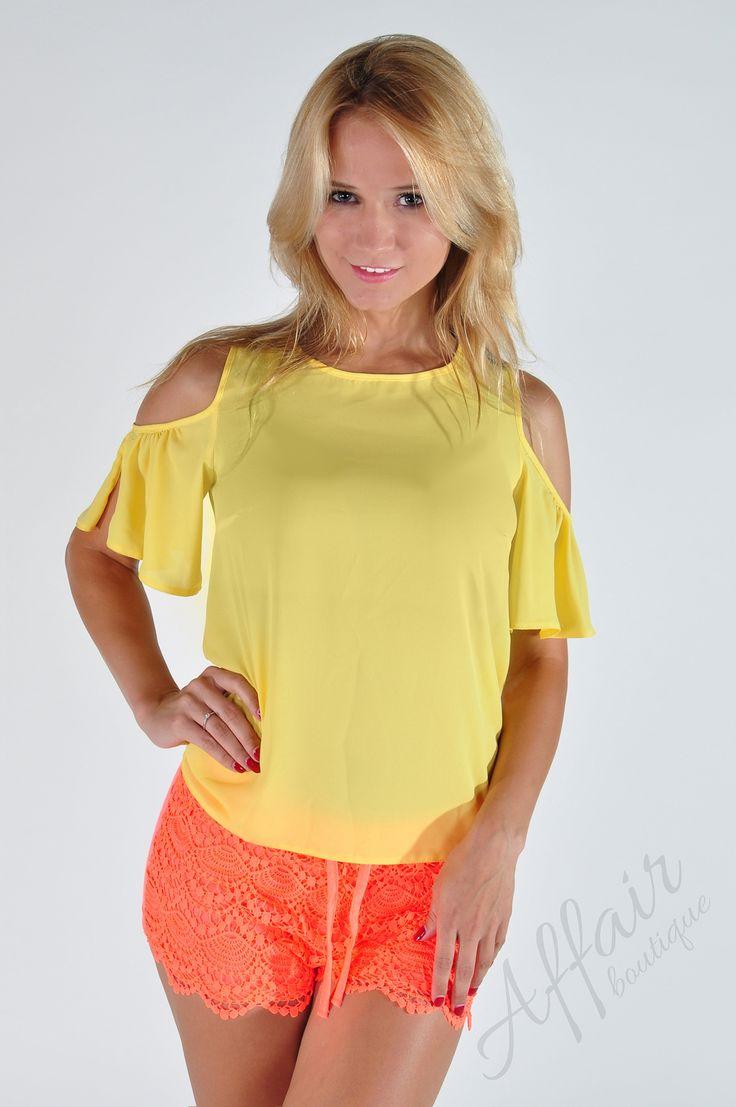 Żółta bluzka z wycięciami na ramionach - Affair Boutique