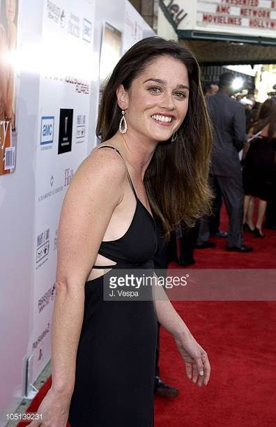 robin-tunney-during-amc-movielines-hollywood-life-magazines-young-picture-id105139231 (396×612)