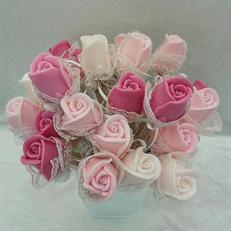 Pastel tonlarda aranjmanımız�� Sipariş alınır #kokulu #taş #aranjman #çiçek  #koku #taş #düğün #nişan #kına #süs #süsleme #hediye #hazırlık #mis #kokulu #çiçek #okyanus #meyve #kokusu http://turkrazzi.com/ipost/1524893408375450340/?code=BUpgnnGjark