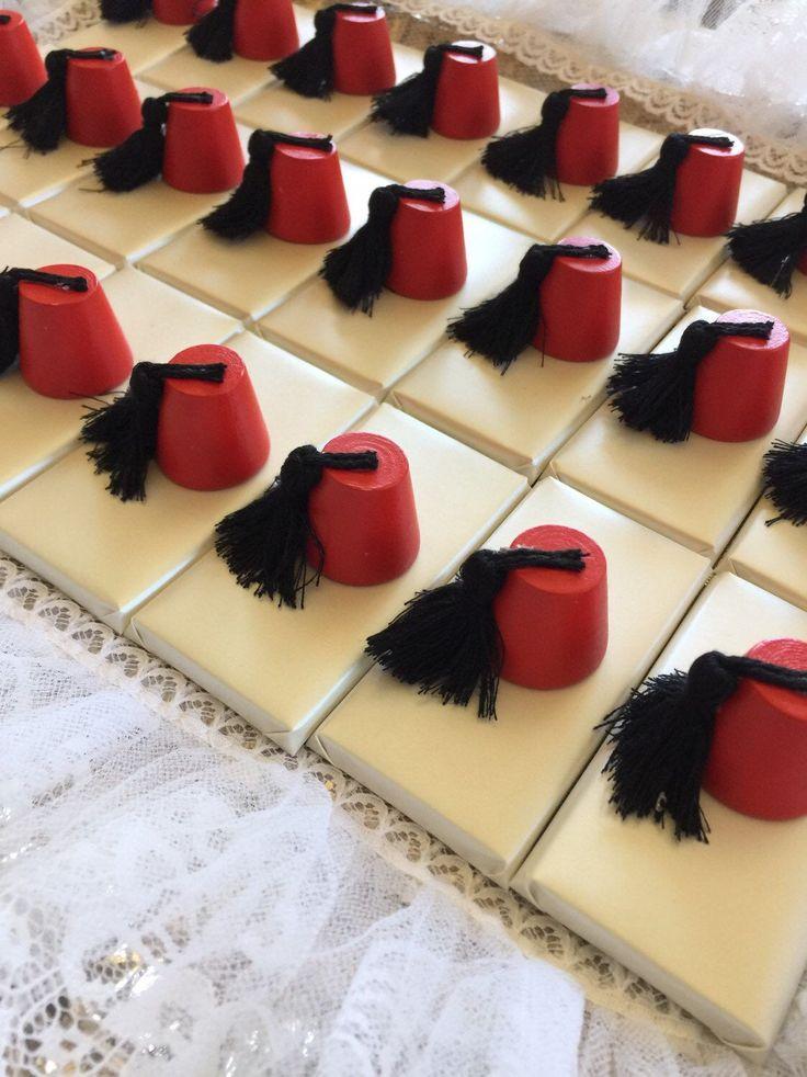 10 wedding favors fez tarboosh decorated chocolate wedding