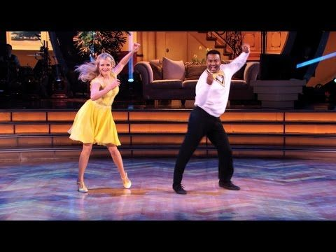 FUN!! ~ We were all thinking the same thing when Alfonso Ribeiro, best known as uptight Carlton on Fresh Prince, was cast for this season of Dancing With the Stars: Dude is going to do the Carlton dance, and he's probably going to win it all. Last night, Ribeiro delivered.