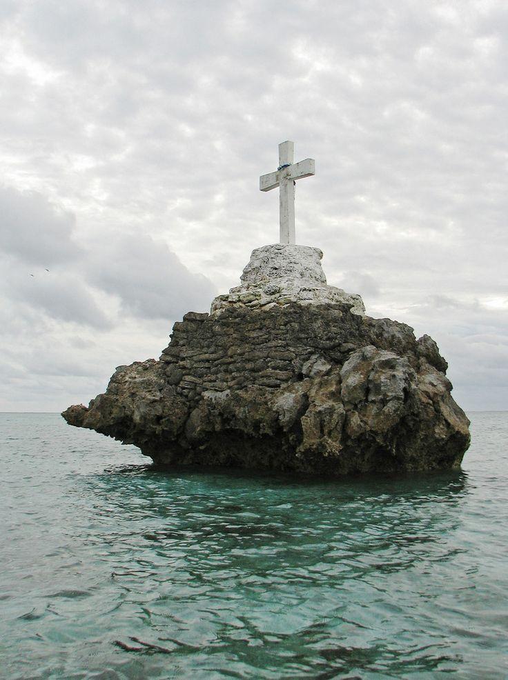 Christian cross on Fotopedia