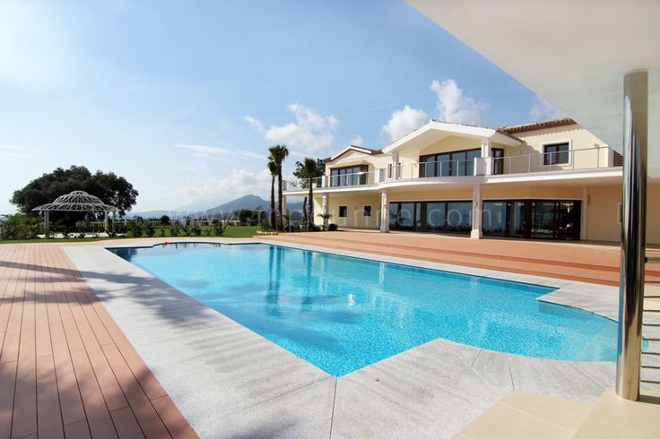 A truly exceptional, south facing villa for sale in the secure and gated community of el Madroñal with spectacular panoramic views. #Property #MpDunneProperty #Marbella #Luxury #Costadelsol #realestatemarbella #luxury #luxurylifestyle http://www.mpdunne.com/en-MPV1294_villa-el+madronal-benahavis.html