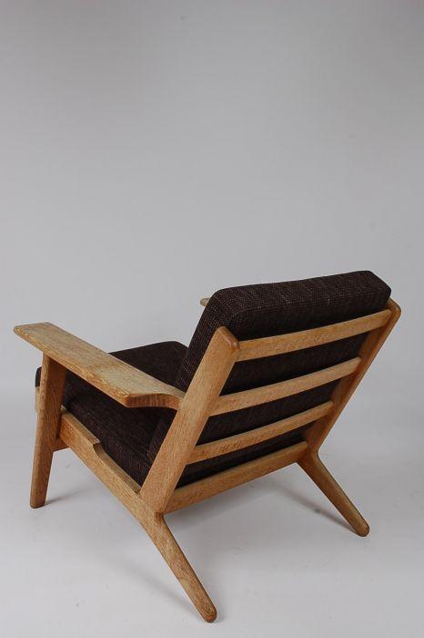 Best 25 Hans Wegner Ideas On Pinterest Danish Furniture Chair Design And