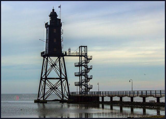 Gabriele Manhold Photography: Der Leuchtturm Obereversand, das Hafenfeuer von Dorum-Neufeld