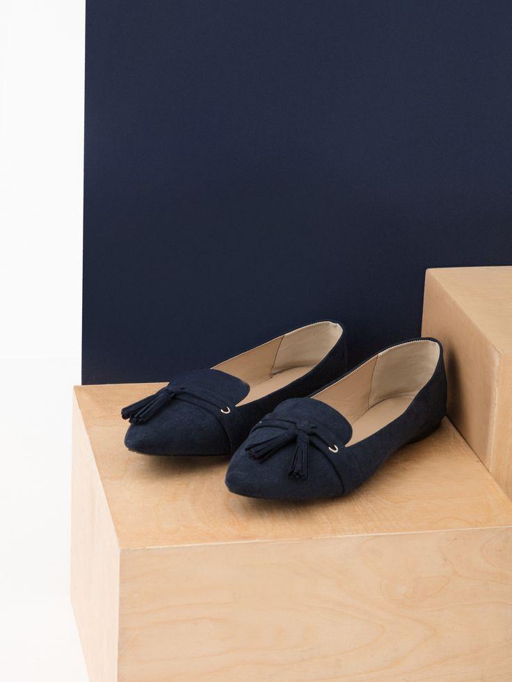 Comanda online, Pantofi cu ciucuri Top Secret albastru cu varful usor ascutit. Articole masurate, calitate garantata!