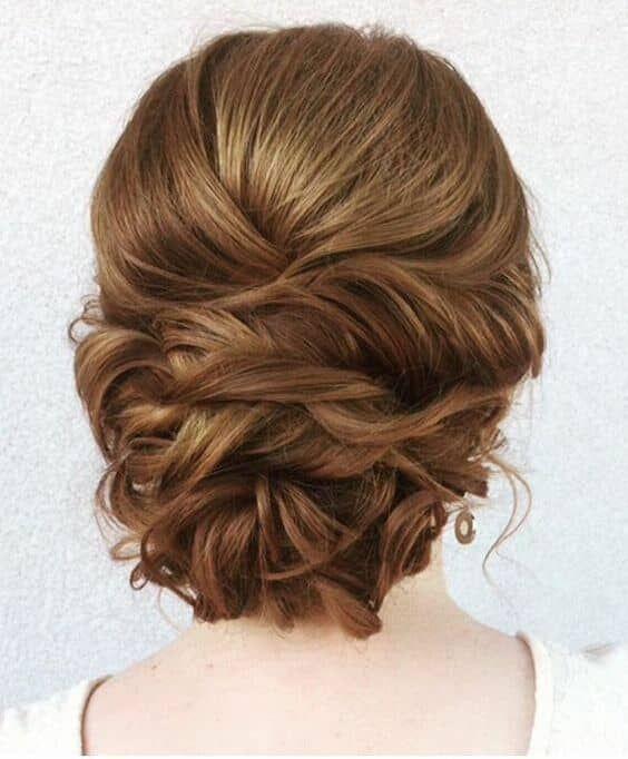 30 Hochsteckfrisuren für langes Haar #stufen #stufig #frauen #locken #pony #haarband #frisurendurchgestuft #durchgestuftlange #einfache On #upstyle #hairstyle #bridesmaids #bridesmaid #lowbun