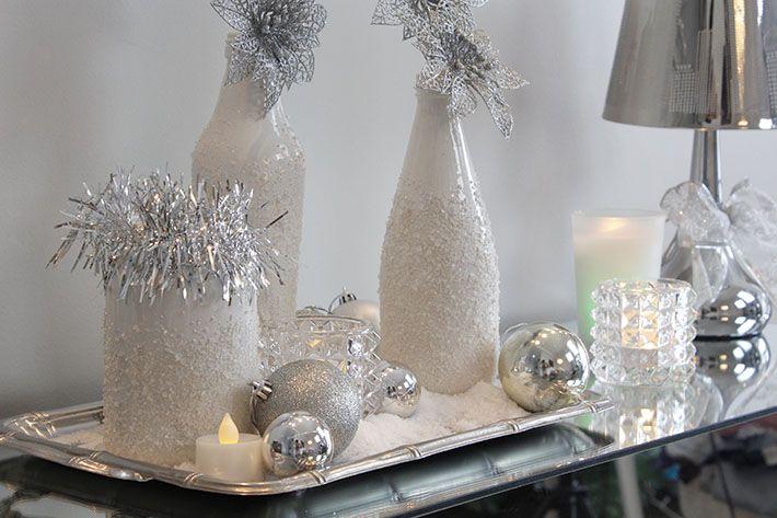 Garrafas brancas imitando neve para decorar a Ceia de Ano Novo (Reveillon).