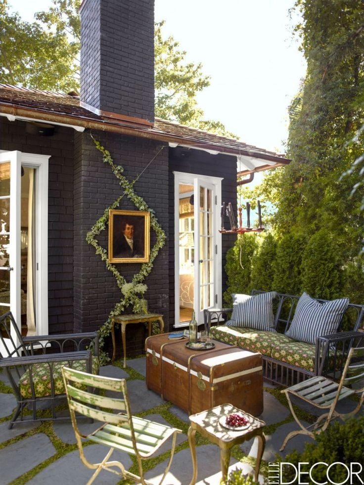 A mill valley home decorated by rita konig creative new for Valley mill summer camp