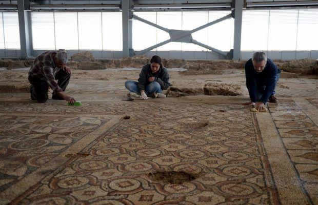 ARKEOFİLİ ///  Kilis'teki 1600 Yıllık Mozaikli Bazilika Açık Hava Müzesi Oluyor