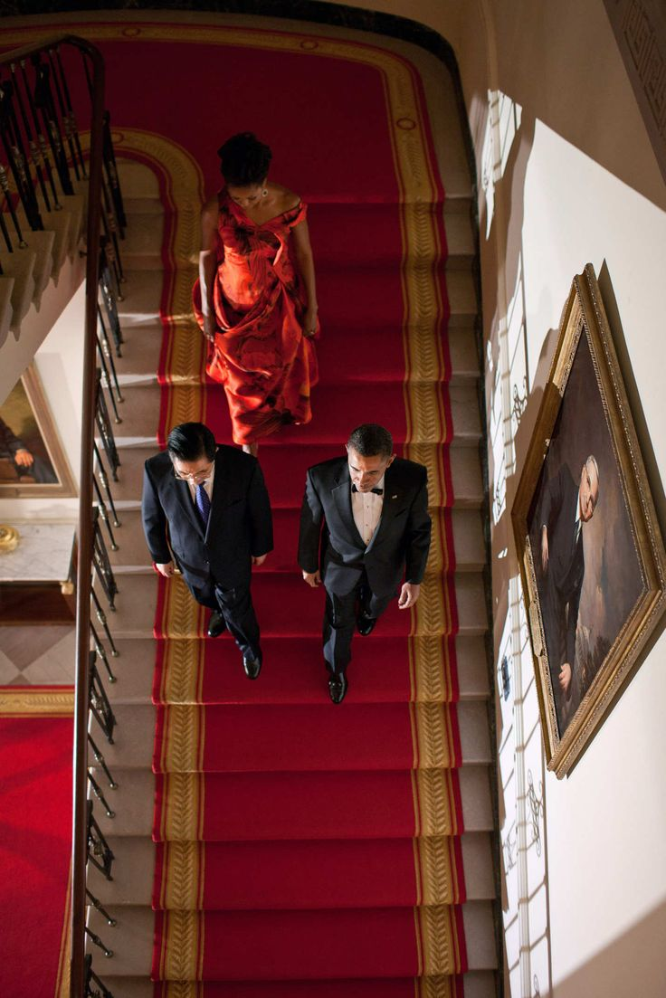 The president and First Lady entering a state dinner with Chinese presidentHu Jintao.