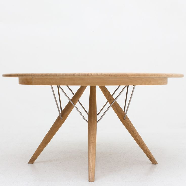 PP 75 - Dining table in oak