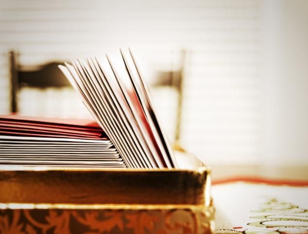 5 Tips on mailing late holiday cards- a late holiday card is better than none at all.