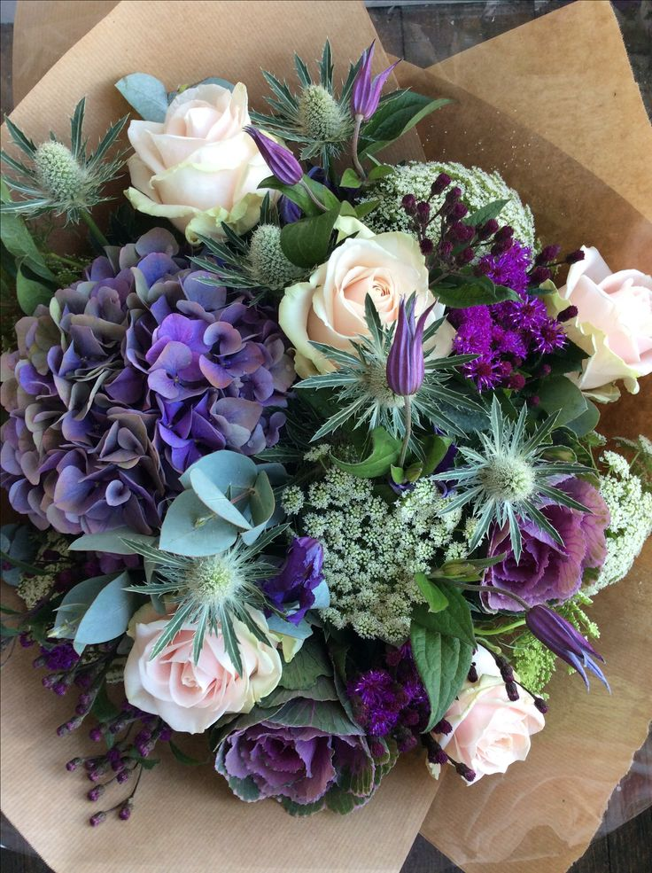 Hydrangea, Ammi, Sweet avalanche roses and Eucalyptus made by Fran