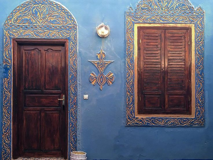 #taginetrek . @villamidelt . . #ig_morocco #traveller #evasion #desert #vacation #roadtrip #marrakech #visitmorocco #love #instamoment #hellomorocco #instamorocco #sky #blue #hotairballoon #marruecos #marokko #casablanca #midelt #fes #merzouga #traveller #photography #voyage #viajes #doors #decoration http://tipsrazzi.com/ipost/1514559214993823202/?code=BUEy5ThAFXi