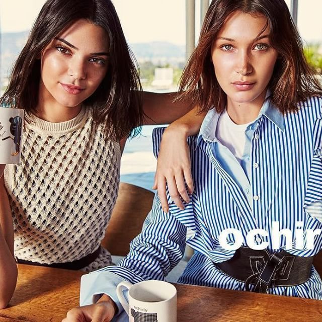 """RepostBy @ochirlyofficial: """"We invited @kendalljenner and @bellahadid to shoot for ochirly 2017Fall Campaign. Shooting by @mario_sorrenti and styled by @brandonmaxwell ,the #bff girls are hot and awesome! Follow us for more about the campaign with these two angles✨ #kendalljenner #bellahadid #mariosorrenti #brandonmaxwell #ochirly #17fw #campaign #supermodel #fashion #followme"""""""