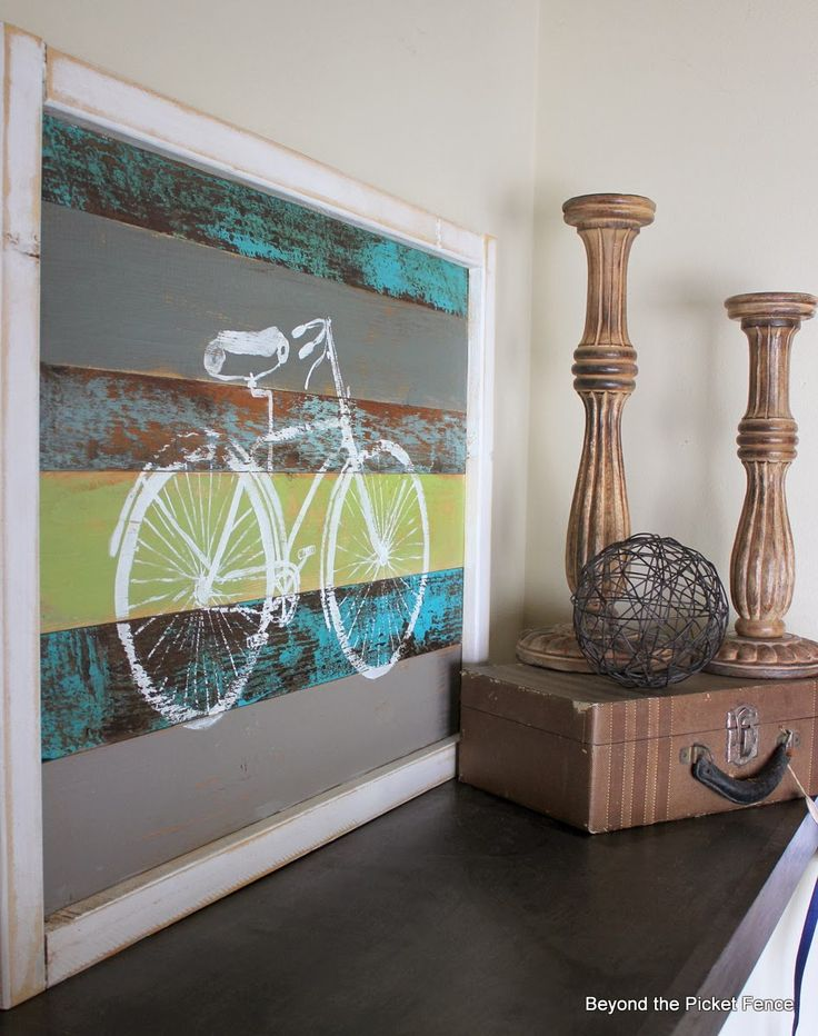 Bicycle Art Using Reclaimed Wood http://bec4-beyondthepicketfence.blogspot.com/2014/02/bicycle-art.html