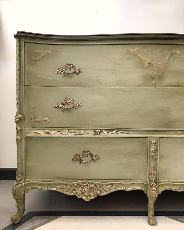 Gorgeous ornate dresser painted with Chalk Paint® by Annie Sloan in a 1:1 mix of Chateau Grey and Old White, then finished the piece with Clear and Dark Chalk Paint® Wax. Project by Annie Sloan Stockist Suite Pieces in Long Island, NY.
