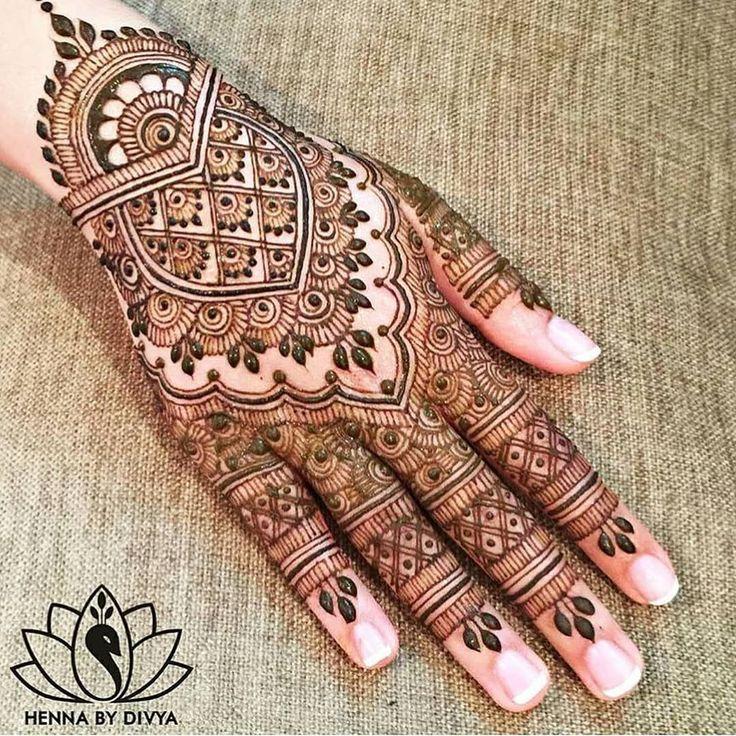 follow us @madrasibride For the love of Henna follow us @madrasibride _________________________ Check out www.Madrasibride.com for #weddinginspiration _________________________ #indianwedding #southindianwedding #indianbride #southindianbride #indianweddingwebsite #indianweddingphotography #weddingjewellery #beautiful #bridalmakeup #indianbridalmakeup #weddingdecor #weddinginvitation