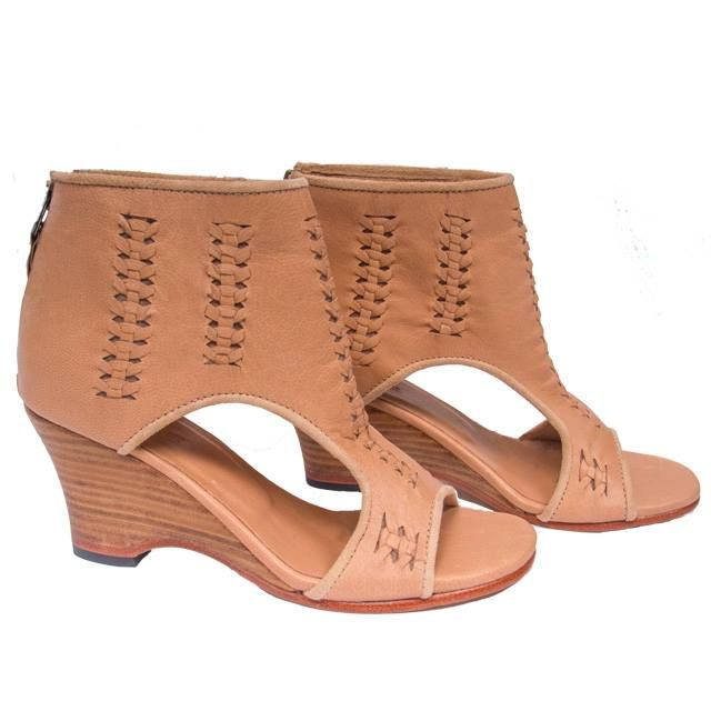 uma and leopold / Ipanema Sandal Pleated @umabeach stores http://umaandleopold.com/