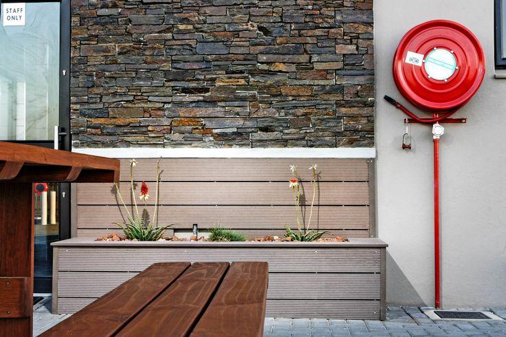 Amazing cladding and #Eva-tech planter!! http://www.eva-tech.com/en/