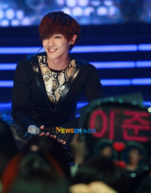That pretty smile. ;u;