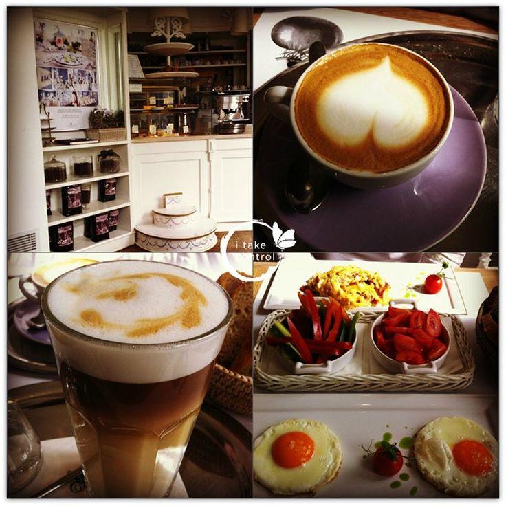#GoodMorning #JóReggelt #早安 #coffee #coffeeaddict #coffeelovers #咖啡 #healthyfood #healthyliving #glutenfree #lactosefree #healthylifestyle #nutritioncoach #mik_nyar #vega #vegan #ikozosseg #digitálisnomád #digitalnomadlife #digitalnomadlifestyle #mik_summer #workanywhere #這怎麼好意思 #我愛我的工作 #我愛我的生命 #人間美味 #todaysoffice #napiiroda