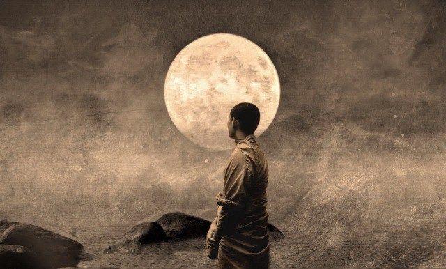 """Kusen (enseñanza oral) del maestro zen Dokushô Villalba 21 de Enero de 1989 Un grupo de discípulos, después de deliberar juntos en una asamblea, fueron a ver al maestro y a presentar sus quejas… y le dijeron: """"Maestro, nosotros sus discípulos, tenemos un gran problema que nos tiene confundidos y extraviados; el problema es que …"""
