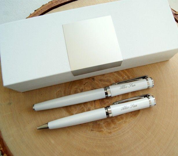Yeni mezun sevdiklerinize hediye edebileceğiniz isme özel şık bir kalem seti!