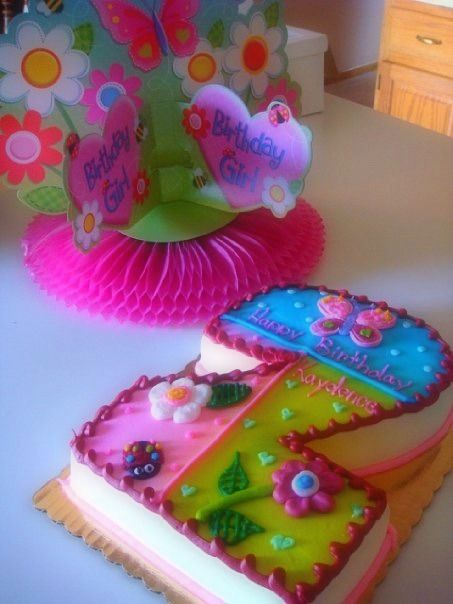 Cute pattern and cake idea for a little girl birthday