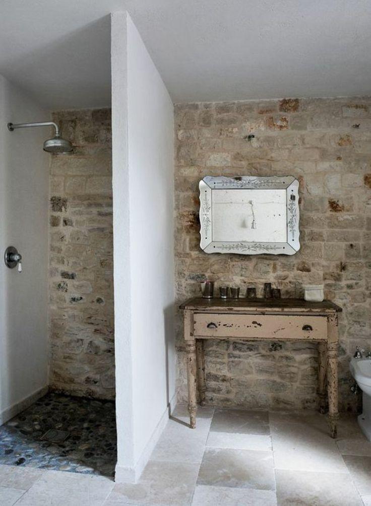 rustikale Badeinrichtung Badfliesen Travertin Badeinrichtung mit Steinen