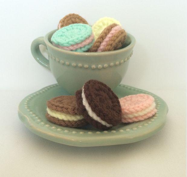 10 Galletitas suritdas tejidas a crochet. Ideal para que jueguen los niños, son productos suaves y blandos, tejidos a mano y 100% lavables. También...