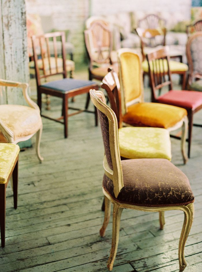 mix-n-match velvet chairs for the wedding ceremony | via: once wed