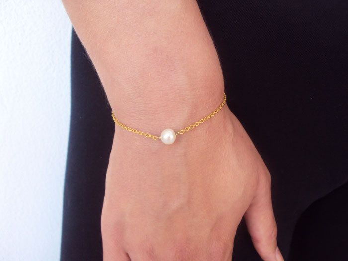 Bridesmaid Gift, Delicate Pearl Bracelet, Gold Bracelet, Bracelet Women, 14K Gold Braclet, Bracelet for Sisters, Birthday Gift for Friend by VasiaAccessories on Etsy
