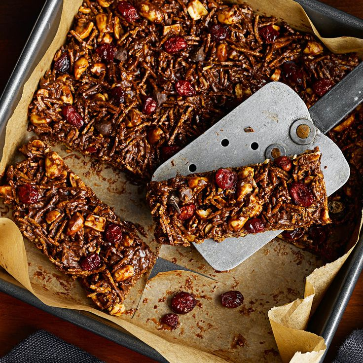 Sucrées au miel, ces barres sans cuisson constituent la collation idéale pour l'après-midi !
