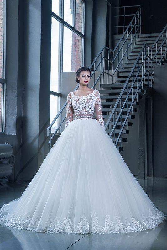 15221 в Красноярске, Платье в пол, Свадебное платье с рукавом, Свадебное платье с закрытым верхом, Пышное свадебное платье