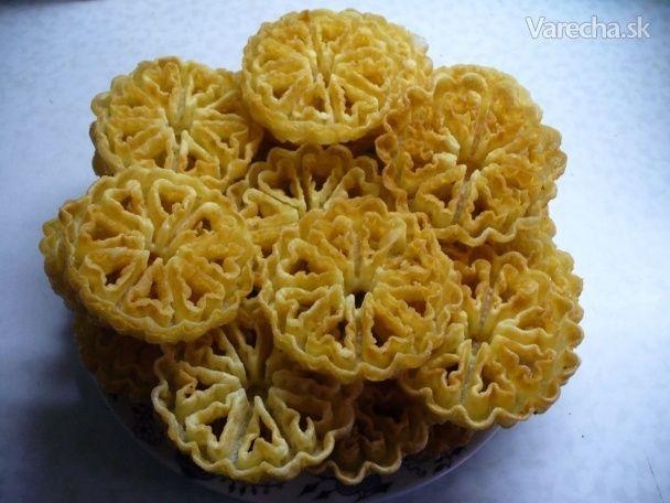Fašiangové vyprážané ruže - Recept