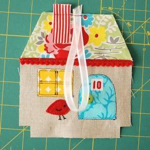 retro mama: fabric house tutorial