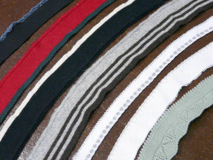 Вязаная манжетная лента для рукавов, горловин и отделки низа изделий.   Сделано в Италии. Расцветки в ассортименте, на фото не все.   Цены от 30-40 руб за штуку. Ширина 2-5 см, длина 60-100 см.