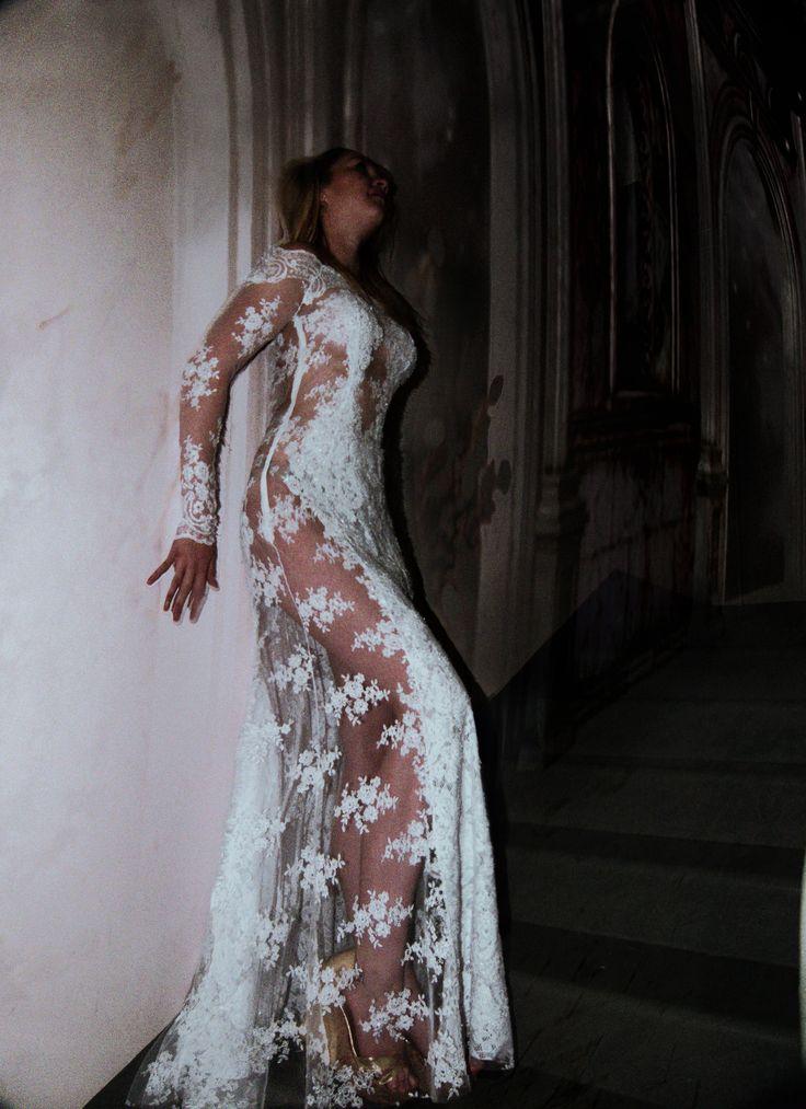 кружевное свадебное платье. Дизайнер Лана Кмекич.
