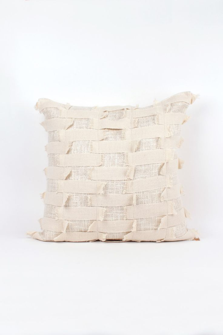 LIVING TEXTILES>cushions