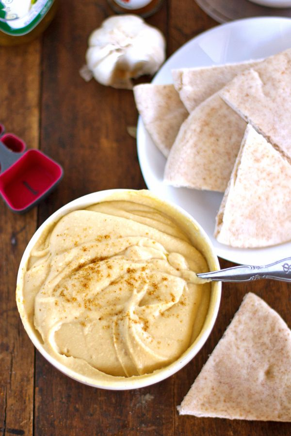 Homemade Hummus makes a delicious and healthy snack! #recipe #healthy